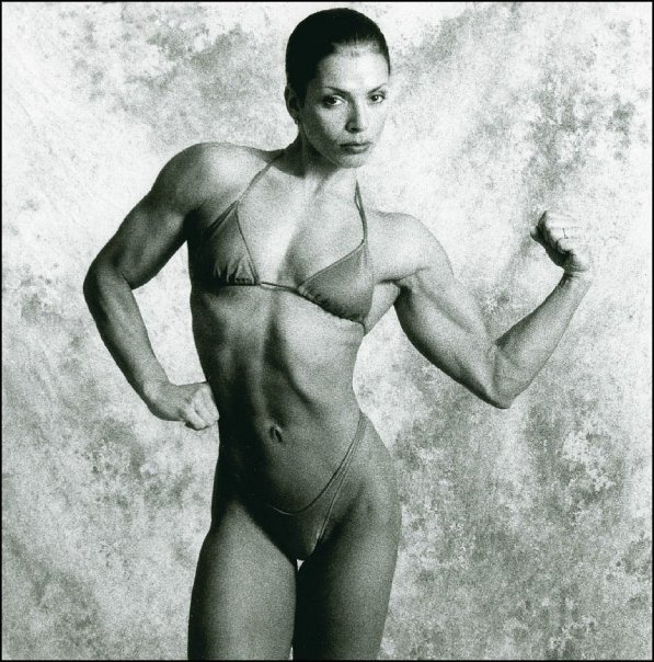 Sharon Bruneau – From Bodybuilder to Bombshell