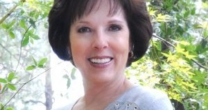 Holli Kenley – Helping You Understand Feelings and Guiding You Towards a Successful Healing Process